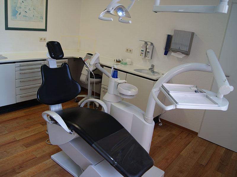 Praxis, Angstpatienten, Angst vorm Zahnarzt, Zahnerhaltung, Karies, Zahnersatz, Prophylaxe, Zahnarzt, Zahnheilkunde, Klammer, Brücke, Krone, Zahnarzt in Kerpen